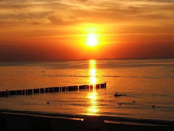 Wunderschöne Sonnenuntergänge am Strand