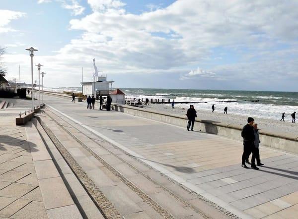 Die längste Standprommenade, immer mit Blick auf die Ostsee