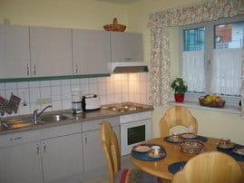 Die separate und geräumige Küche