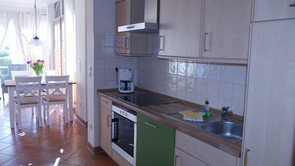 Vom Wohnbereich getrennte Küche