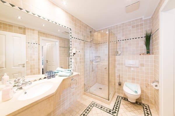 Badezimmer mit Fußbodenheizung