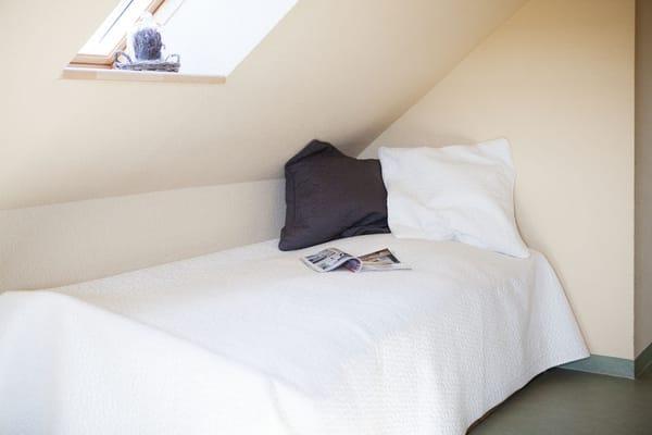 erstes Schlafzimmer - Einzelbett