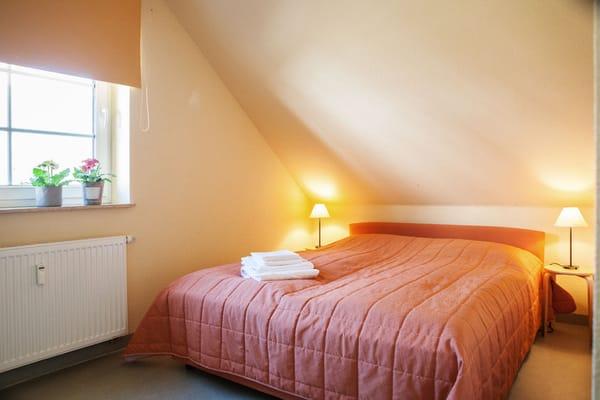 zweites Schlafzimmer - Doppelbett