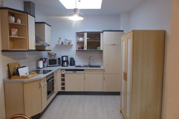 FW2, moderne Küche mit Mikrowelle u. Geschirrspüler