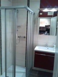 Duschkabine mit niedrigem Einstieg