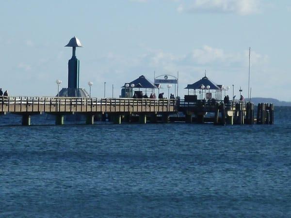Seebrücke mit Tauchgondel