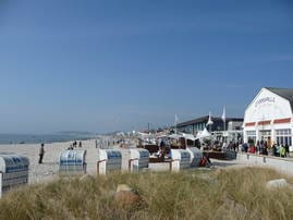 Strandhalle und Wellenbad