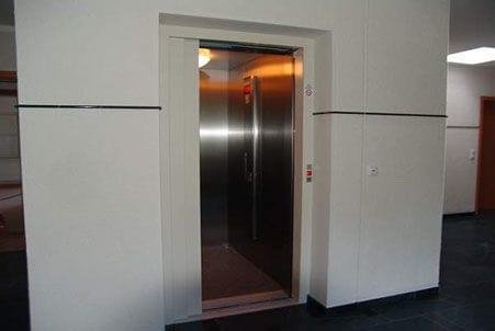Aufzug, man gelangt von der Tiefgarage ganz bequem in die Wohnung