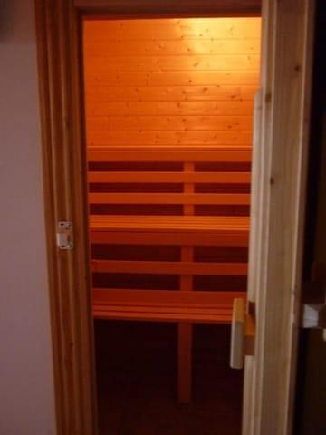 Sauna, Feucht- und Heißbetrieb