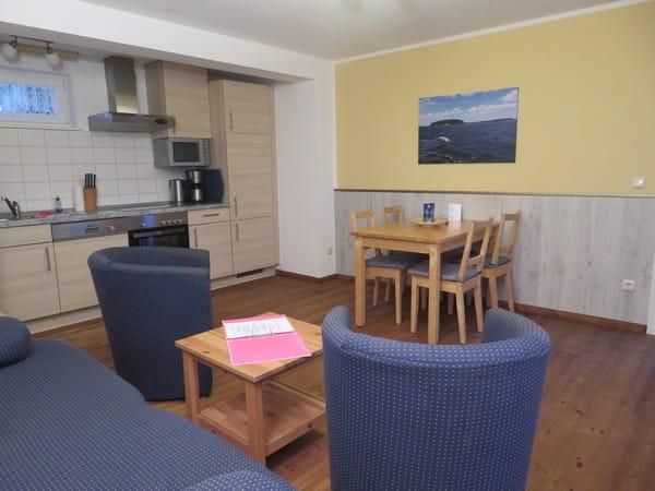 Wohnzimmer Küche und Essecke