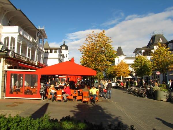 Die Hauptstraße und Flaniermeile von Binz