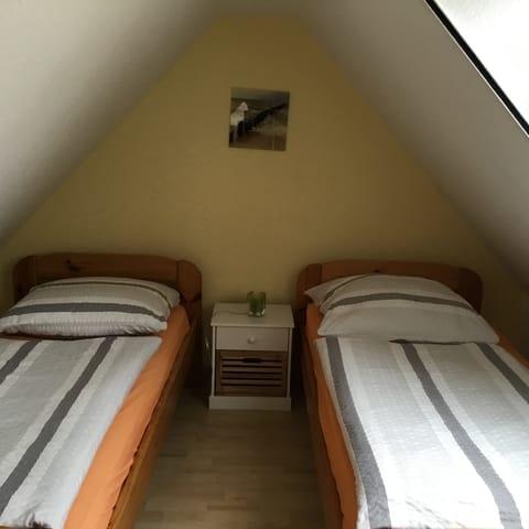 Schlafzimmer 2 im oberen Bereich