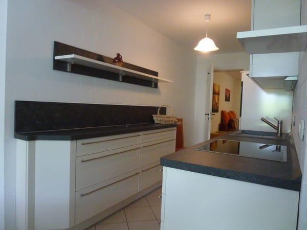 offene Küche /Durchgang zum Schlafzimmer