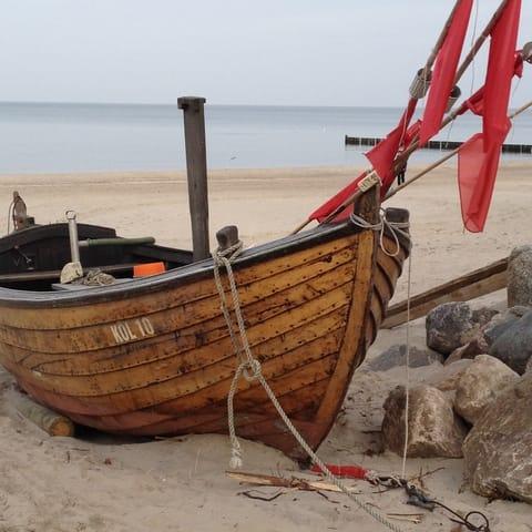 Fischerboot am Strand