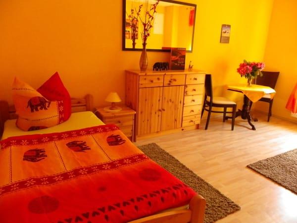zweites Schlafzimmer mit 2 Einzelbetten