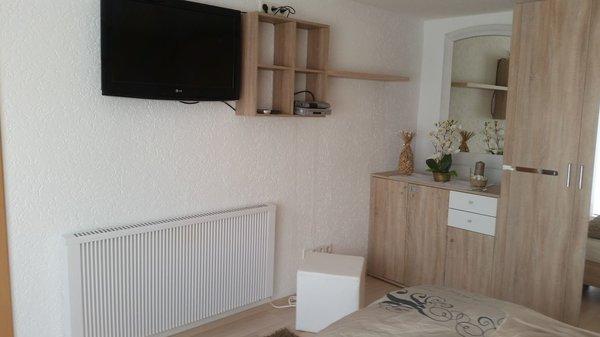 Schlafzimmer mit sat TV+ DVD