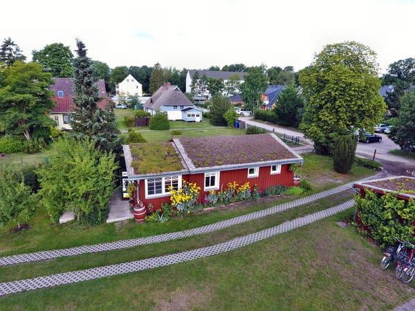 Das Gartenhaus von oben - Blumem-Bäume- Ruhe