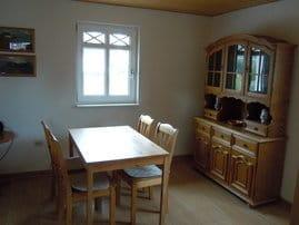 Essplatz für 4 Personen in gemütlicher Küche