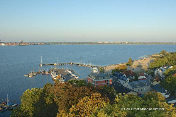 Altefähr Hafen und neuer Strand