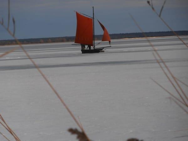 Eissegeln im Winter