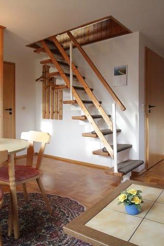 Treppe vom Wohnzimmer ins 2. Schlafzimmer