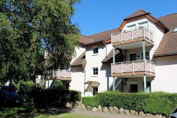 Das 2-Zimmer-Appartement liegt sehr ruhig im Haus 4 hinten,  Balkon im 1. OG