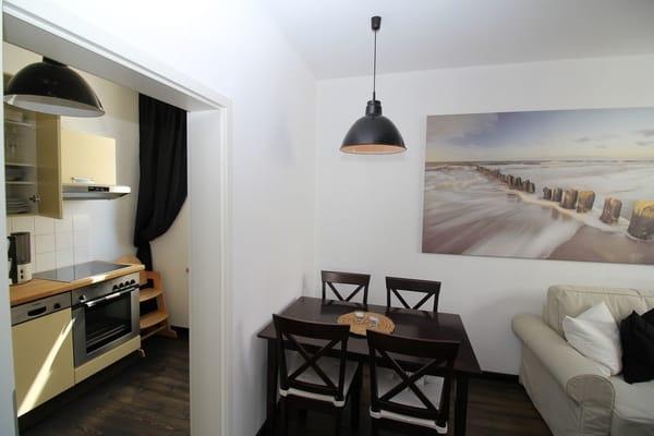 Schlafzimmer bietet noch zusätzlichen Platz zum aufstellen von ein oder zwei Kinderreisebetten....