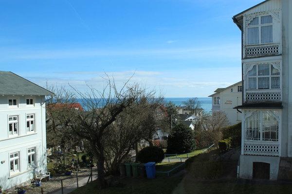 Blick vom Haus zur Ostsee im März