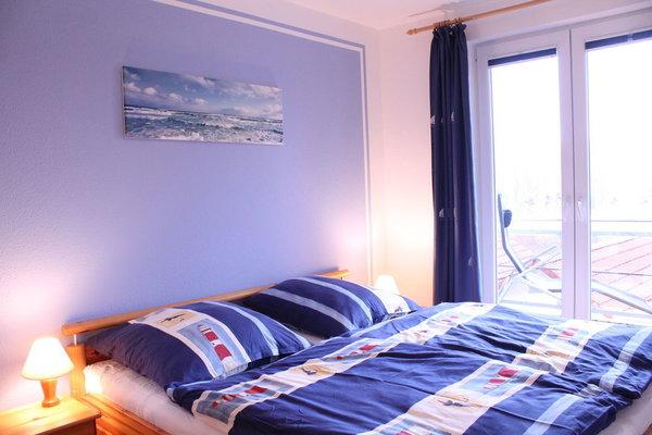 Schlafzimmer1 in Ostlage mit Balkon