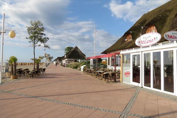 Dies ist die schöne Promenade von Dahme. Unser Ferienreihenhaus ist ca. 500 m entfernt. Hier gibt es  auch freies WLAN.