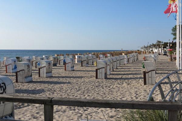 Hier sieht man den schönen Strand von Dahme.An der Promenade gibt es auch freies WLAN.