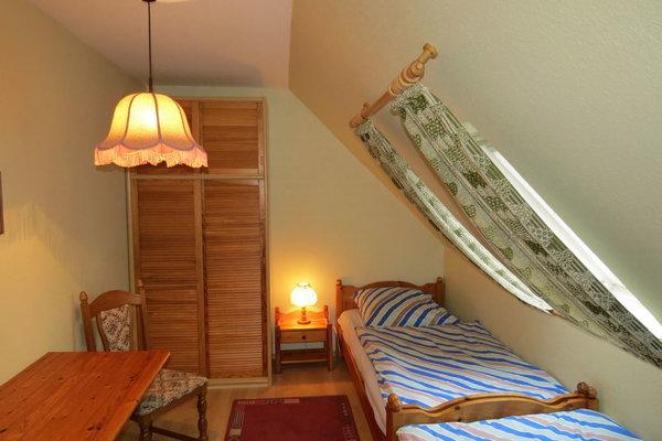 Schlafzimmer 2 im 1. Stk.