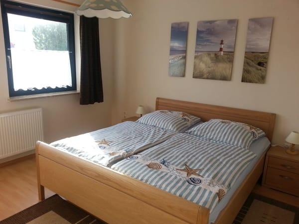 Schlafzimmer 1 mit 2,20 m langen Betten