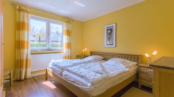 3.Schlafzimmer, 200x200 Bett, Schrank, Kommode