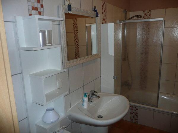 Wanne mit Duschwand /WC und Waschbecken