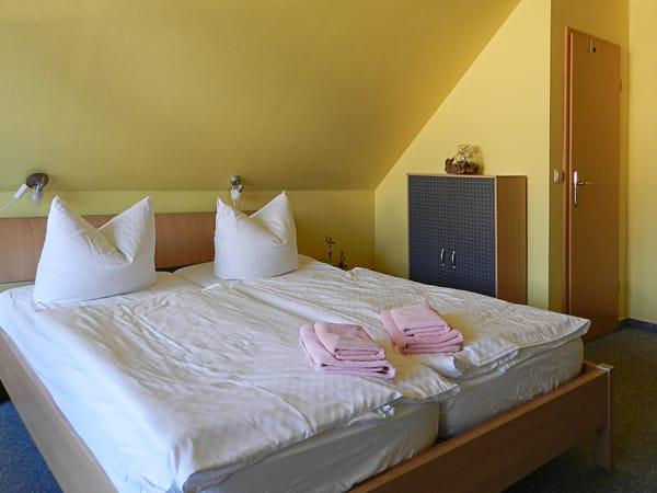 Schlafzimmer 2 im oberen offenen Bereich