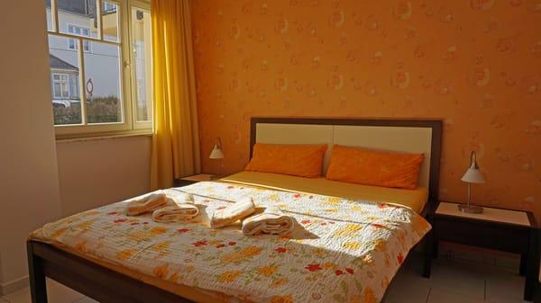 1tes Schlafzimmer