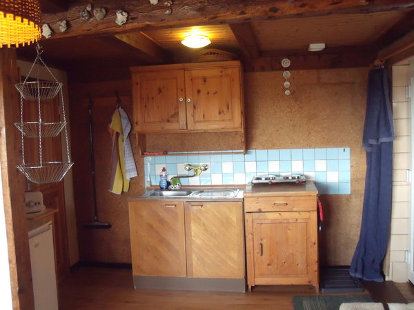 Eingangsbereich und Küchenzeile