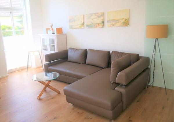 Sofa im Wohnzimmer mit Schlaffunktion