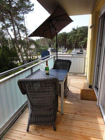 Genießen Sie auf dem Balkon Ihr Frühstück.