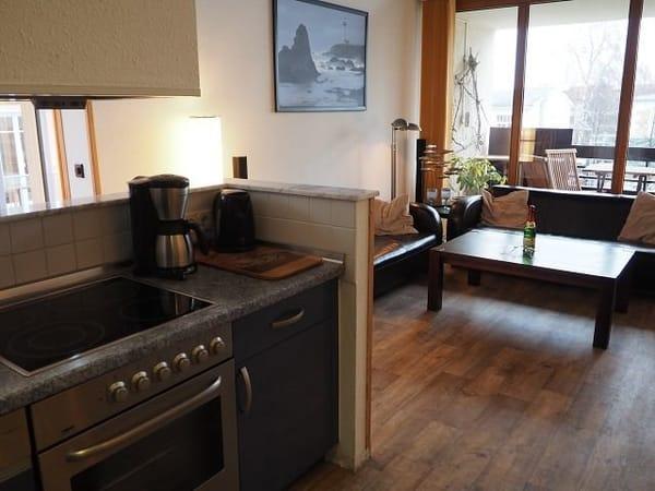 Küche mit Wohnbereich