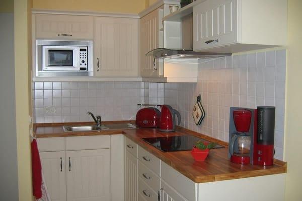 Küche mit Essplatz - auch von hier Ostseeblick