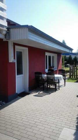 Terrasse mit Gartenblick
