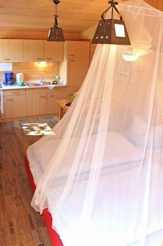 Wohnraum mit 2 separaten Betten
