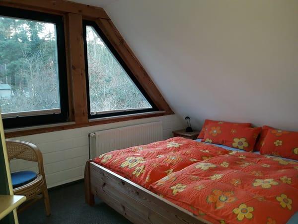 Schlafraum im OG, Doppelbett