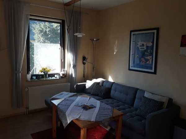 Wohnzimmer mit neuer Couch zur Saison 2019
