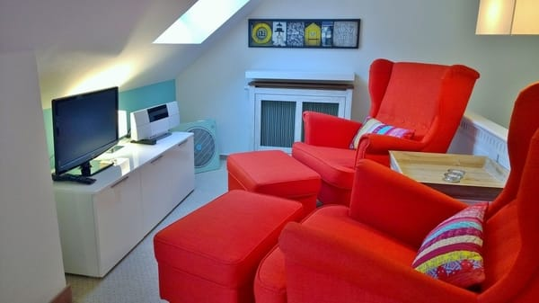 Die Fernseh-/ Lese- Sitzecke mit TV und Musikanlage
