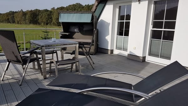 große Dachterrasse zum Relaxen