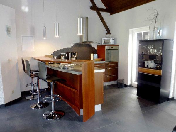 Einbauküche mit Tresen