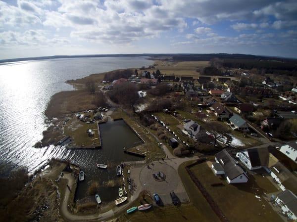 Hafen am Achterwasser. 50m vom Ferienhaus entfernt